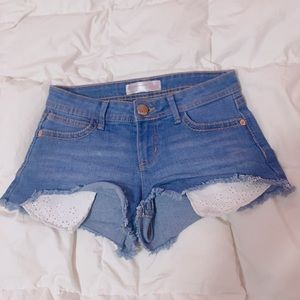 Cute Denim Shorts With Lace Pockets